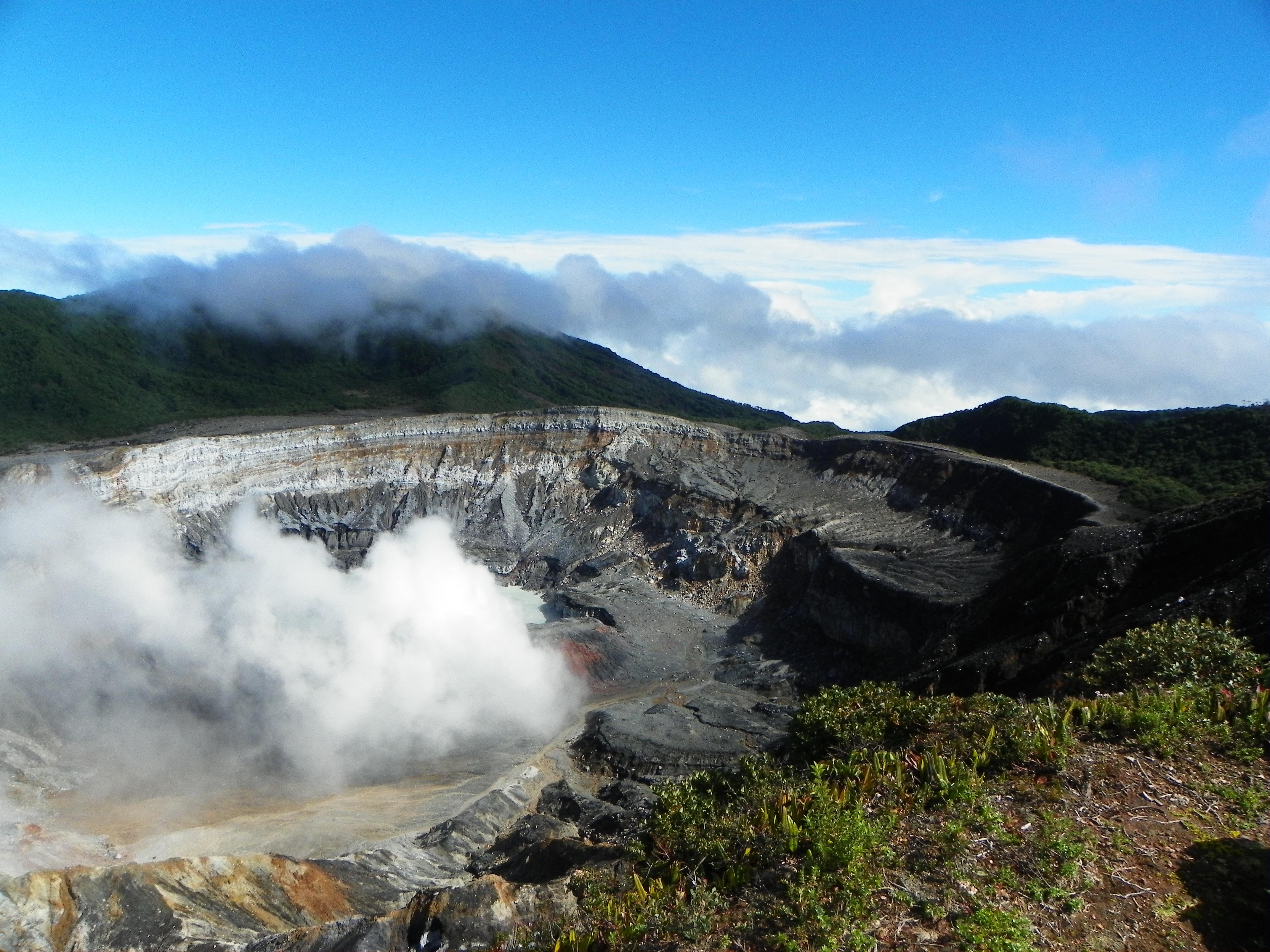 Explore Captivating Costa Rica Poas Volcano